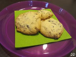 Biscotti alle mandorle con cioccolato bianco e fondente
