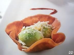 Gelato al pistacchio su letto di fichi secchi