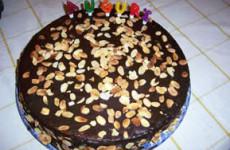 Torta fedora con glassa al cioccolato