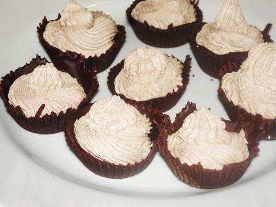 Cioccolatini con crema alla panna e cacao